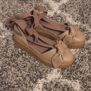 Gently Puma Ballet Sneakers in Tan